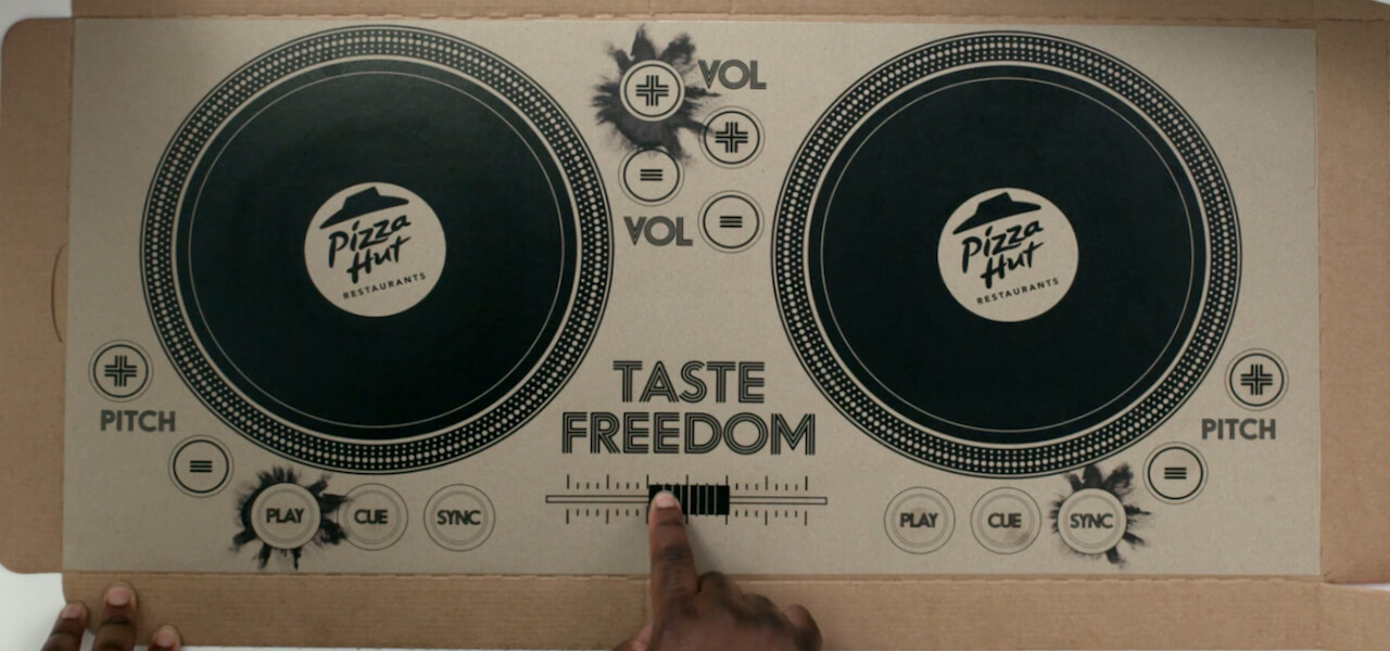 pizza-hut-pizza-box-dj-decks-0 (1)