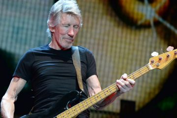 roger-waters-desert-trip-perform-5af69b31-1e4e-4127-a283-9429ce9a6b25