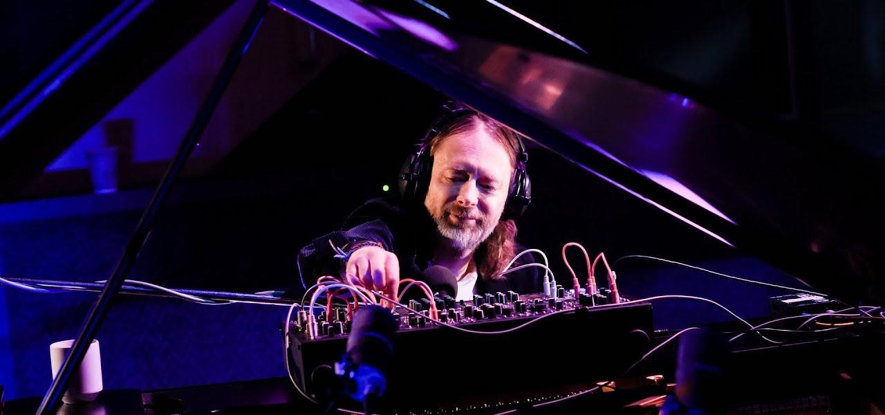 Thom Yorke'dan Suspiria Soundtrack'leri İle Canlı Performans